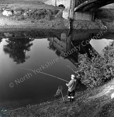 Fishing, River Swale, Myton-on-Swale